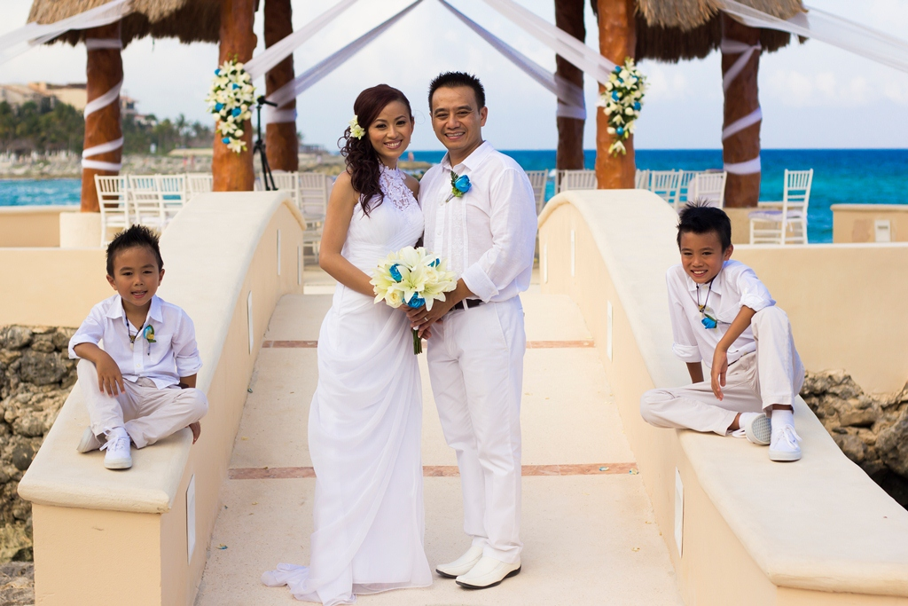 family pic ceremony